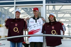 Ralf Schumacher and Jarno Trulli with Arsene Wenger