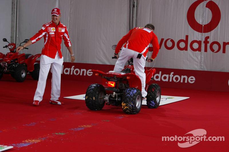 Evento de Vodafone en Hockenheim Talhaus: Michael Schumacher y Rubens Barrichello