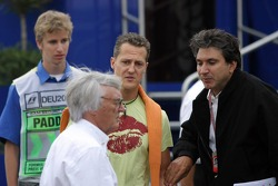 Bernie Ecclestone and Michael Schumacher discuss