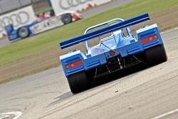 #19 Chamberlain-Synergy Motorsport Lola B98/10 - Judd: Amanda Stretton, Balba Camino