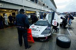 Pitstop for the #65 Graham Nash Motorsport Saleen S7 R: Ricky Cole, Ryan Hooker, Dana Brewer
