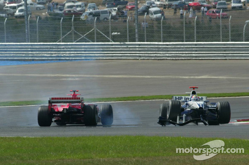 Accrochage entre Mark Webber et Michael Schumacher