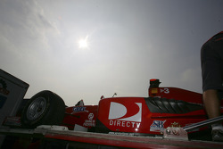 BCN Competicion team unload car
