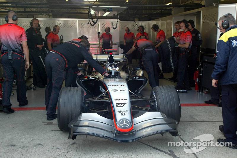 Pedro de la Rosa tries out the new V8 engine