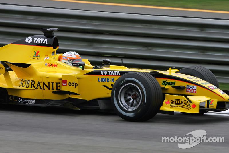 Outro era a equipe Jordan, que também deixaria a F1 ao fim daquele ano.