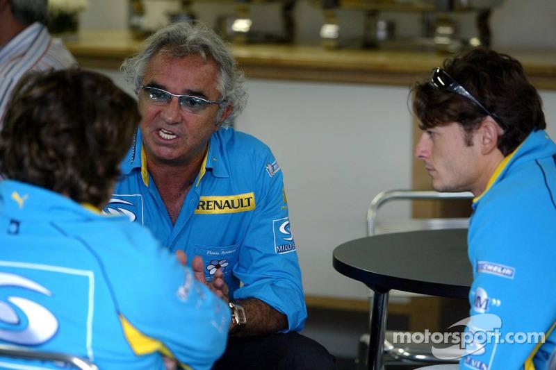 Flavio Briatore con Fernando Alonso y Giancarlo Fisichella