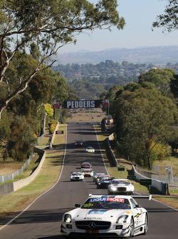 #63 Erebus Motorsport,梅赛德斯SLS AMG GT3: Nathan Morcom, Austin Cindric, Simon Hodge
