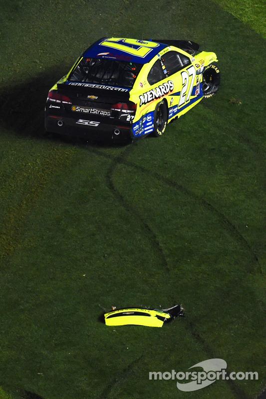 Paul Menard, Richard Childress Racing Chevrolet in trouble