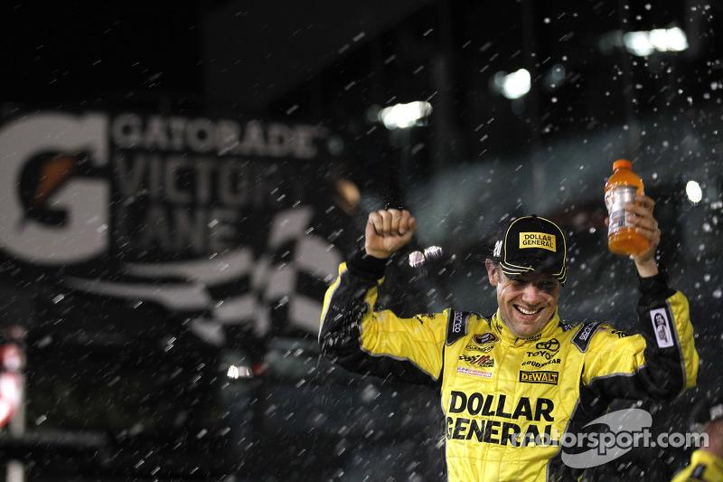 1. Matt Kenseth, Joe Gibbs Racing, Toyota, feiert