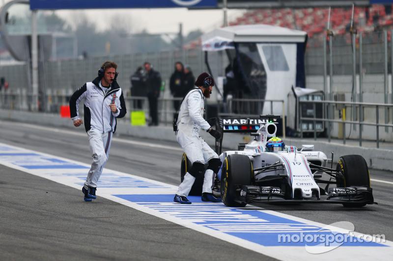 Felipe Massa, Williams FW37, hält in der Boxengasse an