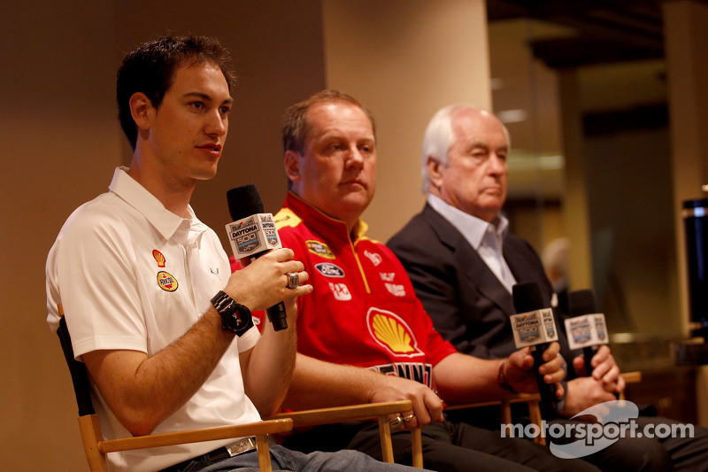 Roger Penske, Joey Logano and crew chief Todd Gordon, Team Penske Ford