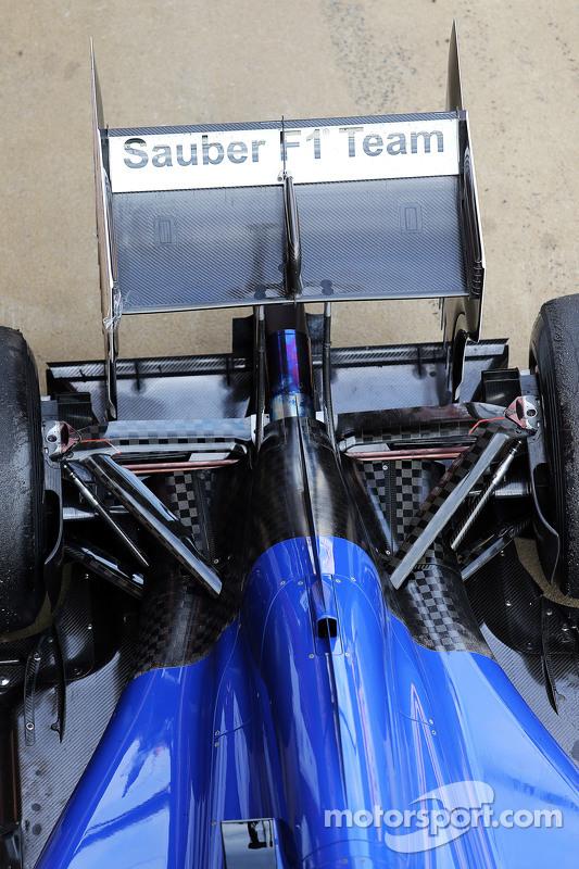Sauber C34 rear suspension detail