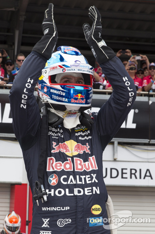 Vencedor Jamie Whincup, Red Bull Holden