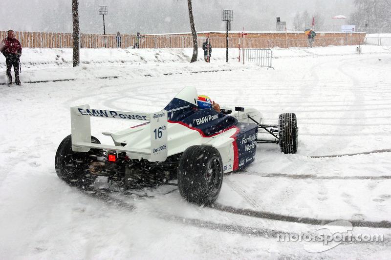 Марк Веббер за кермом Formula BMW