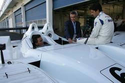Sascha Maassen, le président de PCNA Peter Schwarzenbauer, Lucas Luhr avec la Porsche RS Spyder-LMP2