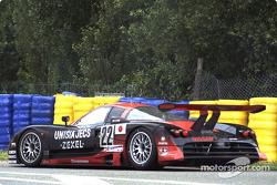 #22 Nissan Motorports Nissan R390: Эрик ван де Пуле, Агури Сузуки, Риккардо Патрезе