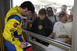 Elliott Sadler signs autographs