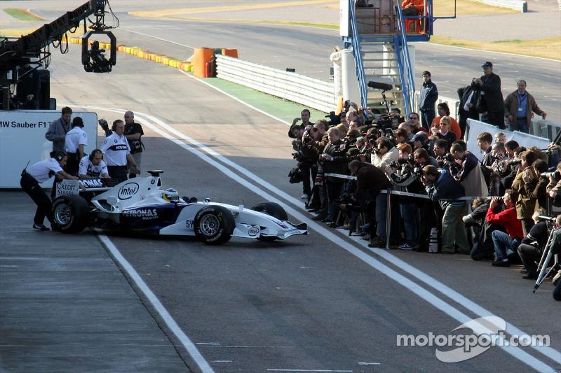 Nick Heidfeld leaves the garage