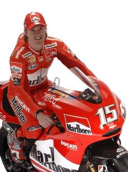 Sete Gibernau with the new Ducati Desmosedici GP6