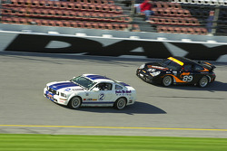 #2 Blackforest Motorsports Mustang GT: Forest Barber, Terry Borcheller ahead of #89 Knobel Racing/LNS Porsche 996: Frank Rossi, Jeff Courtney