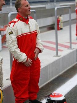 Pro celebrity race: Johnny Herbert