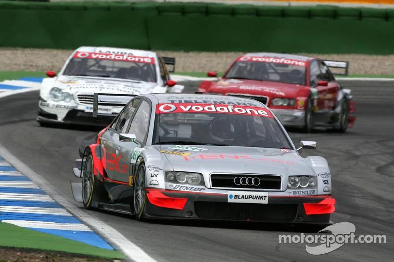 Olivier Tielemand devant Mathias Lauda et Vanina Ickx