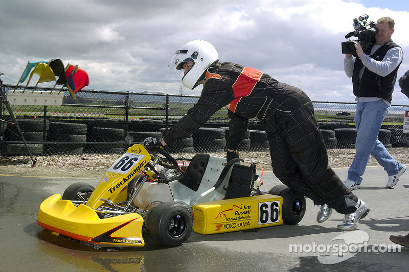 Scott Speed conduit un kart
