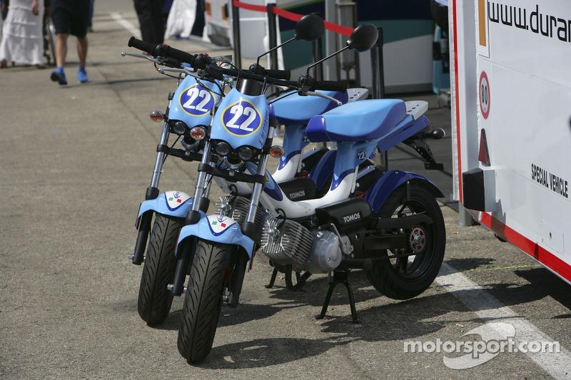 Les scooters de Lucas Di Grassi