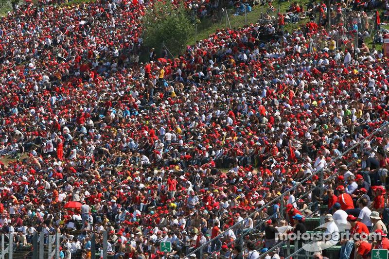 Une grande foule pour la course