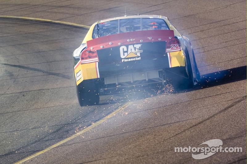 Dave Blaney crève un pneu