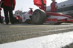 Hiroki Yoshimoto on pole position