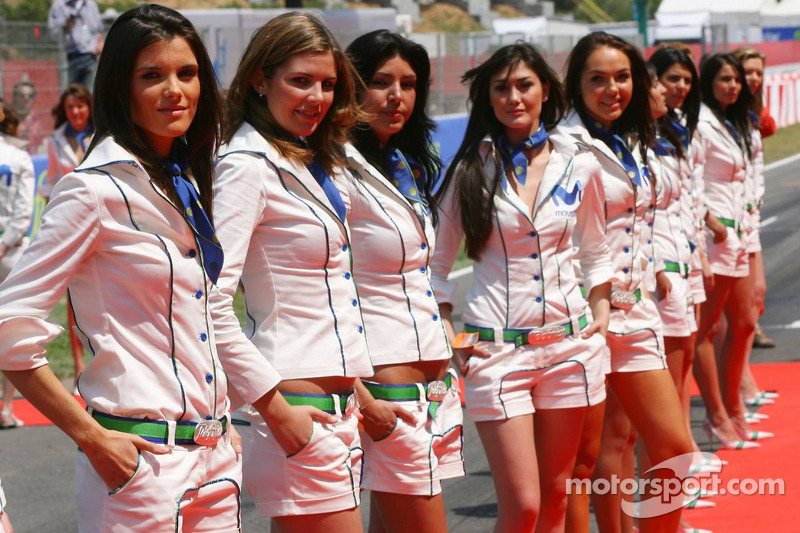 Des jeunes femmes Movistar
