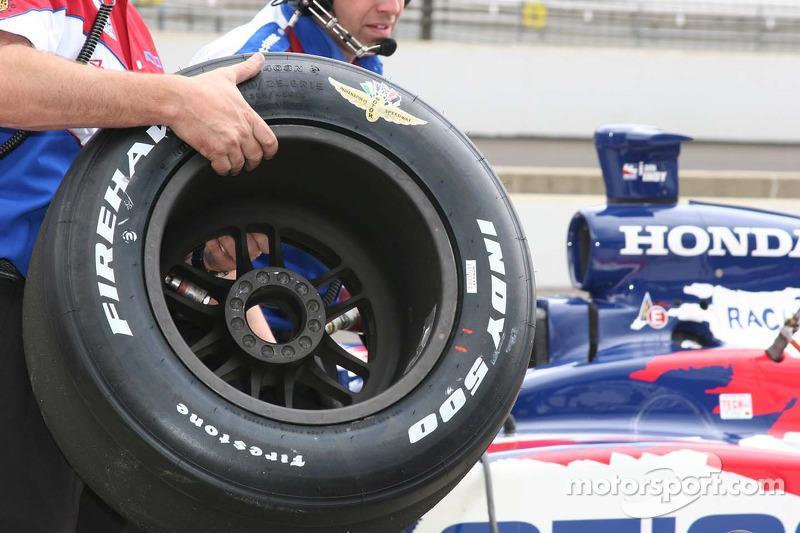 Le pneu spécial Firestone Firehawk Indy 500