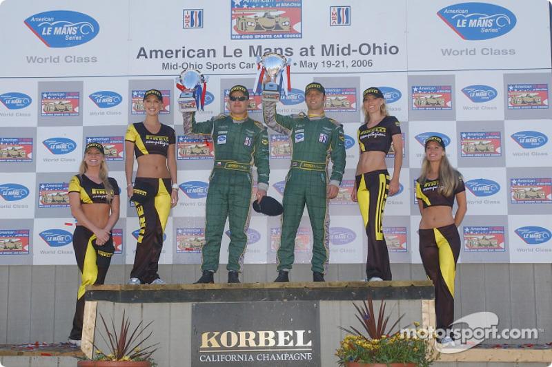 Podium LMGT1: Tomas Enge et Darren Turner à la troisième place