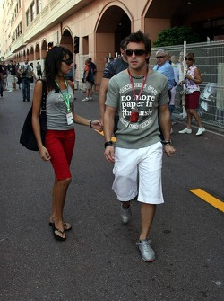Fernando Alonso with his girlfriend