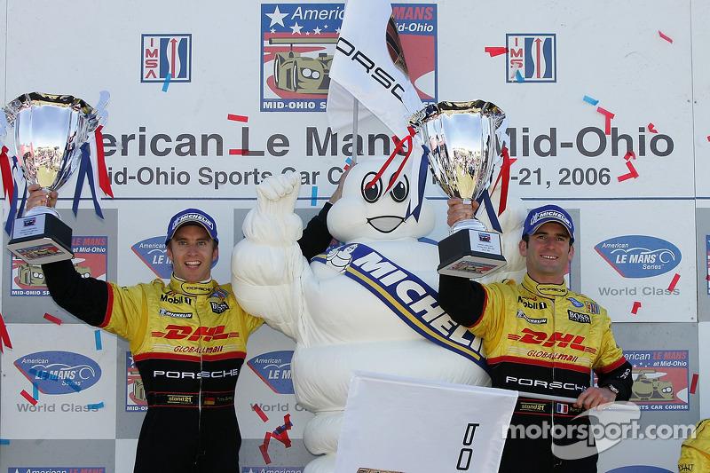 Podium LMP2: les vainqueurs Timo Bernhard et Romain Dumas