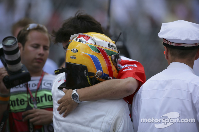 Lewis Hamilton remporte la course