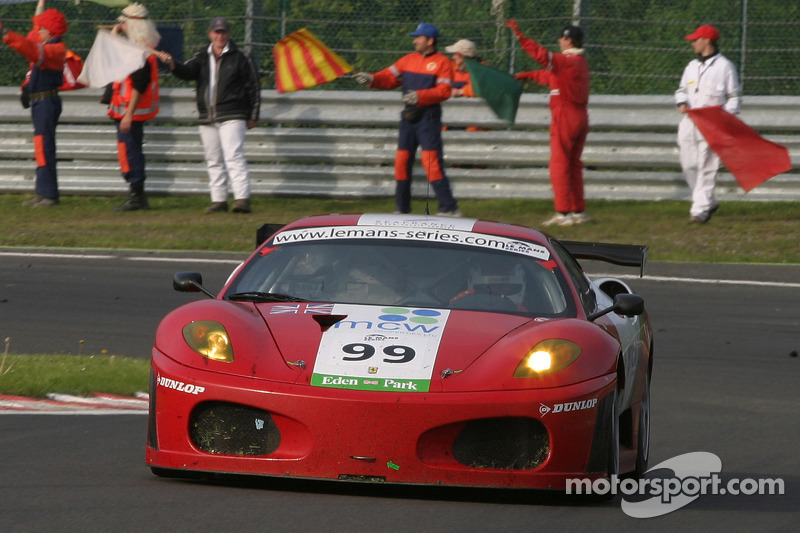 Le tour d'honneur - #99 Virgo Motorsport Ferrari F430 GT: Dan Eagling, Tim Sugden, Ian Khan