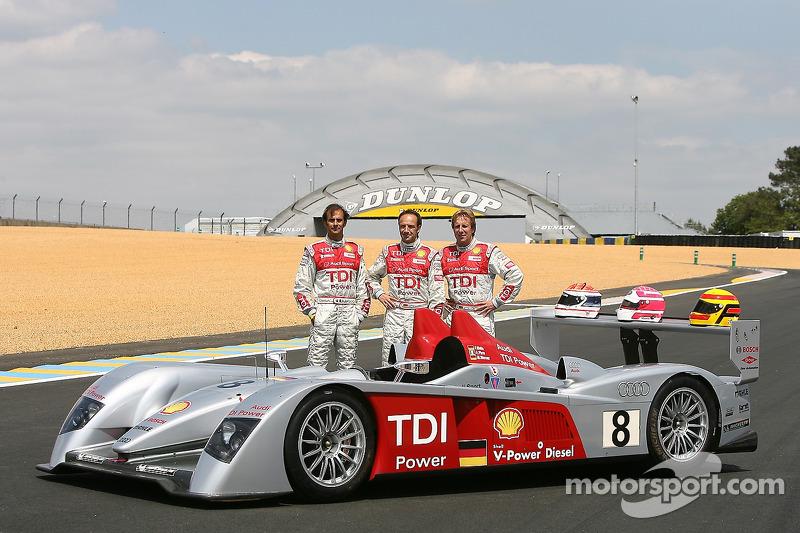 Séance photos de Audi Sport Team Joest: Marco Werner, Emmanuele Pirro et Frank Biela avec les Audi R10