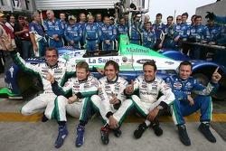 Eric Hélary, Emmanuel Collard, Franck Montagny, Erik Comas, Christophe Bouchut et l'équipe Pescarolo Sport fête le tour le plus rapide du jour