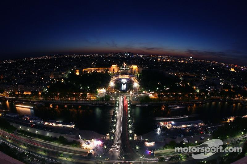 Paris la nuit: le Trocadéro