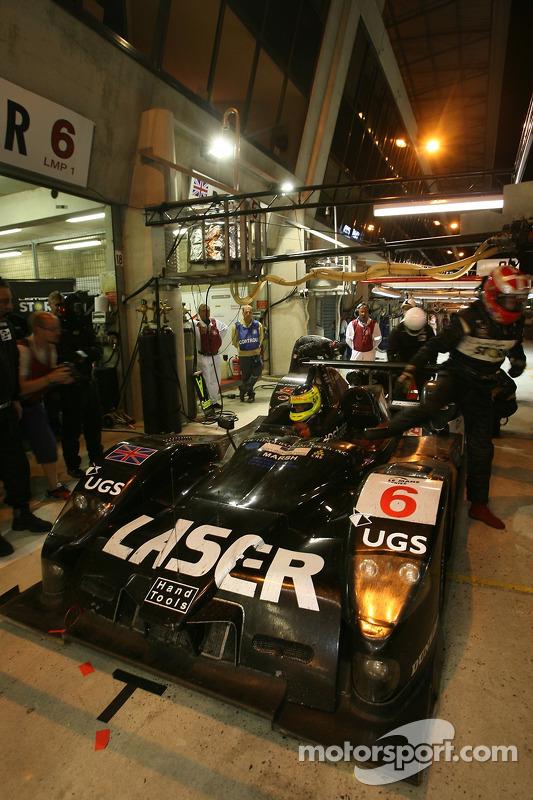 Arrêt au stand pour #6 Lister Storm Racing Lister Storm Hybrid: Nicolas Kiesa, Jens Moller, Gavin Pickering