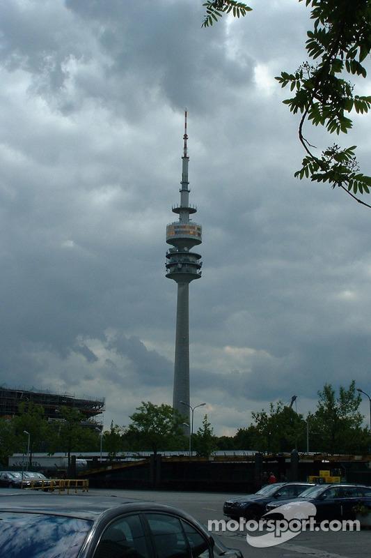 La tour de l'Olympiapark à Munich