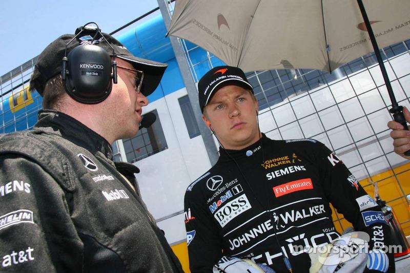 L'ingénieur de course Mark Slade Kimi Raikkonen, avec Kimi Raikkonen