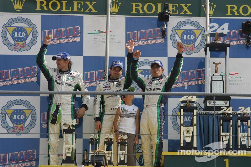 Podium LMP1 :  Eric Hélary, Franck Montagny et Sébastien Loeb sur le podium