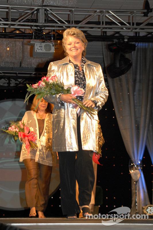 Le président de CARA Vicki Faivre