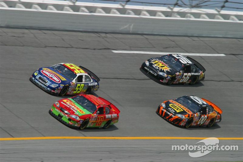 J.J. Yeley, Stacy Compton, Johnny Sauter et Kevin Lepage