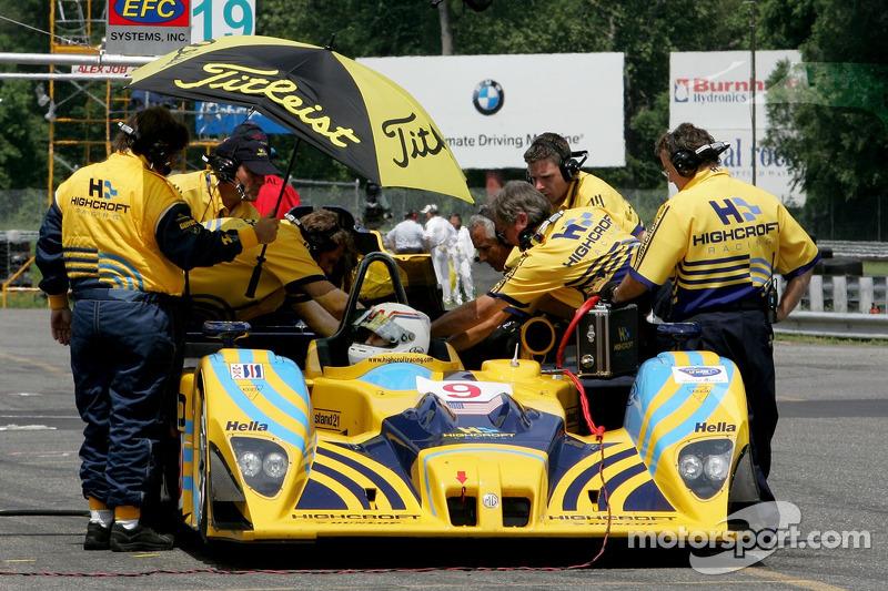 Andy Wallace s'assoit dans la Highcroft Racing Lola EX257