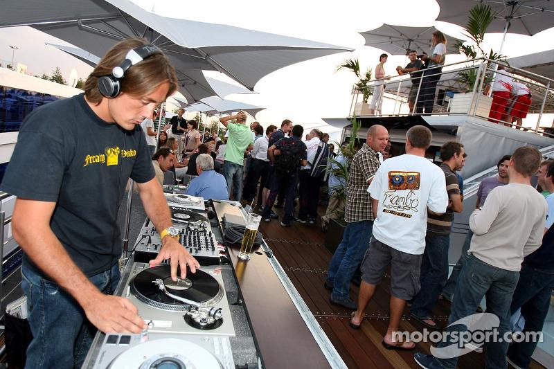 Red Bull le jeudi : le DJ