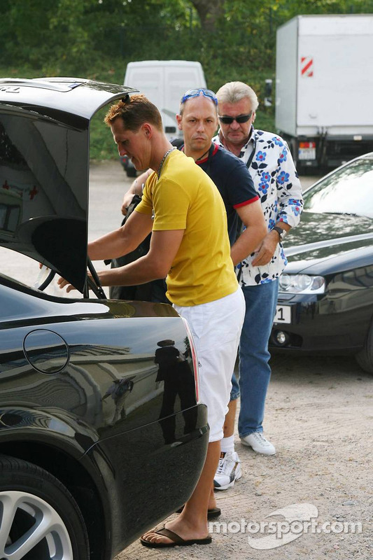 Spiel des Herzens, les stars de la F1 jouent contre les stars de RTL pour l'UNESCO: arrivée de Micha